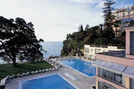 Reid´s Palace - Madeira se snídaní v srpnu