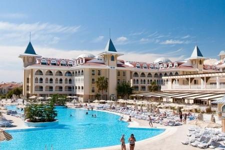Side Star Resort - U moře