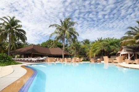 Palm Beach Resort & Spa - Maledivy s polopenzí v říjnu