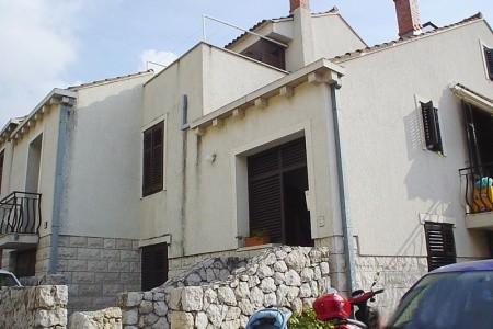 Apartmány Lia - Chorvatsko - First Minute