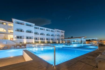 Azure Resort & Spa - Pro seniory