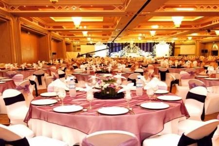 Spojené arabské emiráty Dubaj Crowne Plaza Dubai 8 dňový pobyt Raňajky Letecky Letisko: Praha október 2021 ( 3/10/21-10/10/21)