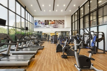 Spojené arabské emiráty Ajman Ramada Hotel & Suites 8 dňový pobyt Polpenzia Letecky Letisko: Praha september 2021 (29/09/21- 6/10/21)