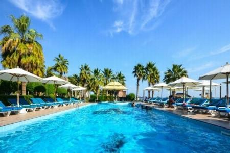Hotel Sandy Beach Hotel & Resort