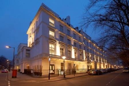 The Caesar Hotel London Snídaně