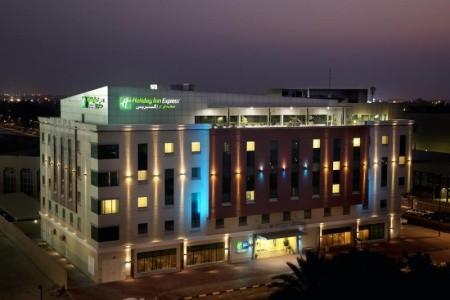 Express Hotel Holiday Inn Safa