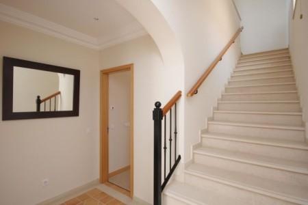 3-Bedroom Villa With Sea View - Vily