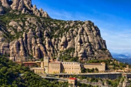 Fedezd fel a legendákkal átszőtt spanyol Monsterrat kastélyt