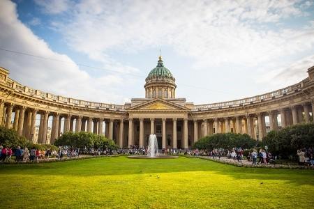 To nejlepší z Petrohradu + MOSKVA + JANTAROVÁ KOMN Snídaně