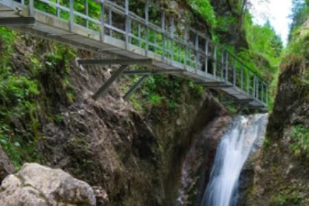 Dovolenka na Slovensku: Objavte čaro Jánošíkových dier