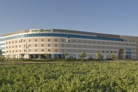 Holiday Inn Muscat Al Seeb - Omán v zimě
