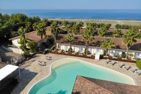 Paestum Inn Beach Resort (Capaccio)