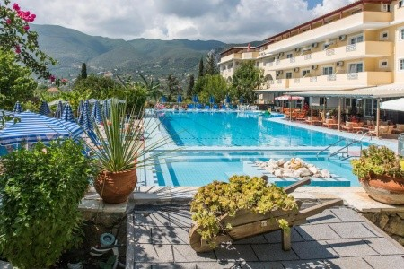 Koukounaria & Suites - Řecko s polopenzí