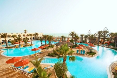 Djerba Beach - Letní dovolená
