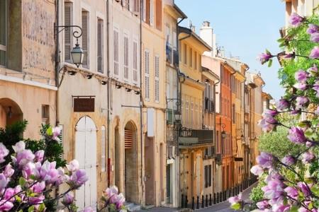 FRANCIE - PROVENCE A BARVY JARA - Provence - Francie