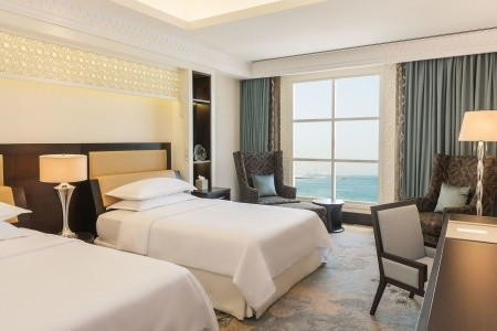 Spojené arabské emiráty Sharjah Sheraton Sharjah Beach Resort 8 dňový pobyt Raňajky Letecky Letisko: Viedeň september 2021 (24/09/21- 1/10/21)