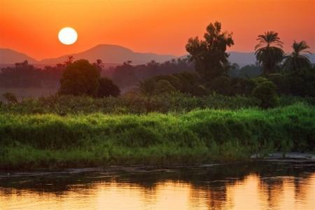 Plavba po Nilu s česky mluvícím průvodcem a pobyt u moře - Plná penze