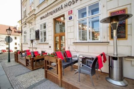 Three Storks - Ubytování Praha a okolí 2021/2022