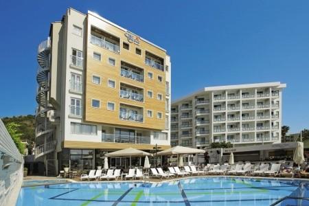 Cettia Beach Resort - v srpnu