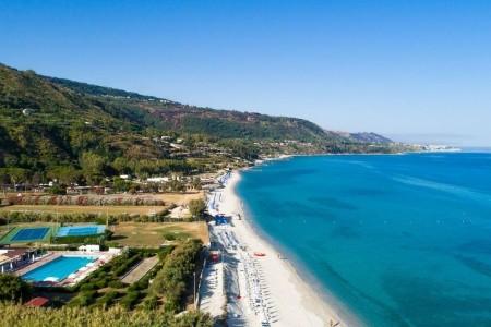 Voi Tropea Beach Resort - Na pláži