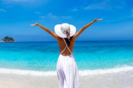 Blankytně modré moře, léčivé bahno a řecká pohostinnost: Kefalonii si zamilujete!