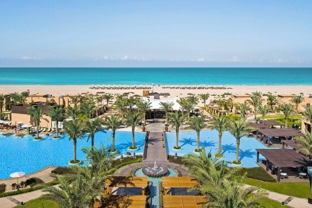 Saadiyat Rotana Resort & Villas - v dubnu