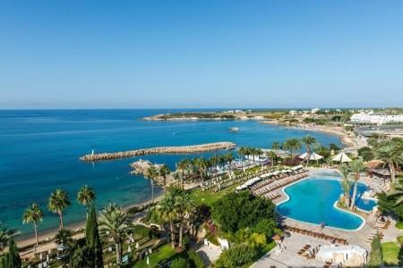 Coral Beach Hotel & Resort - v srpnu