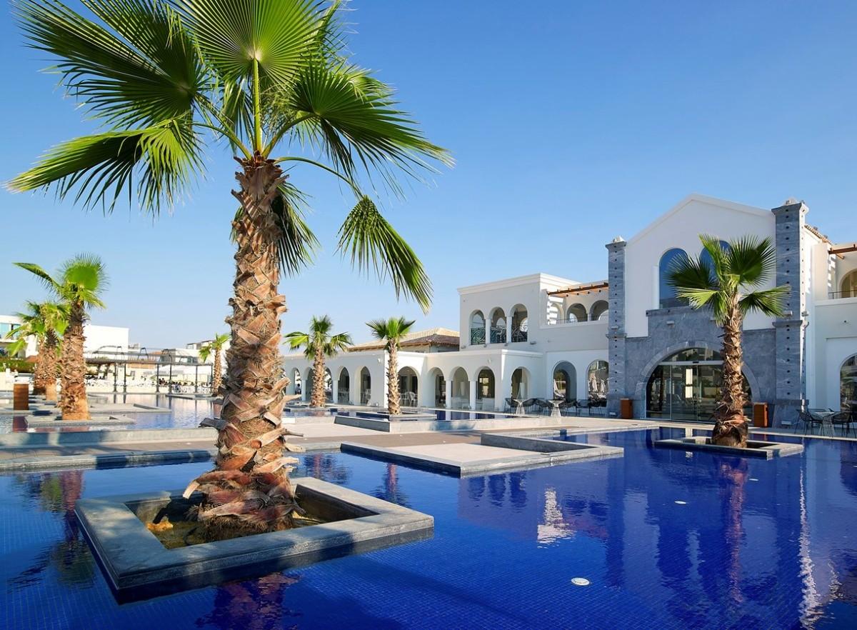 Anemos Luxury Grand Resort