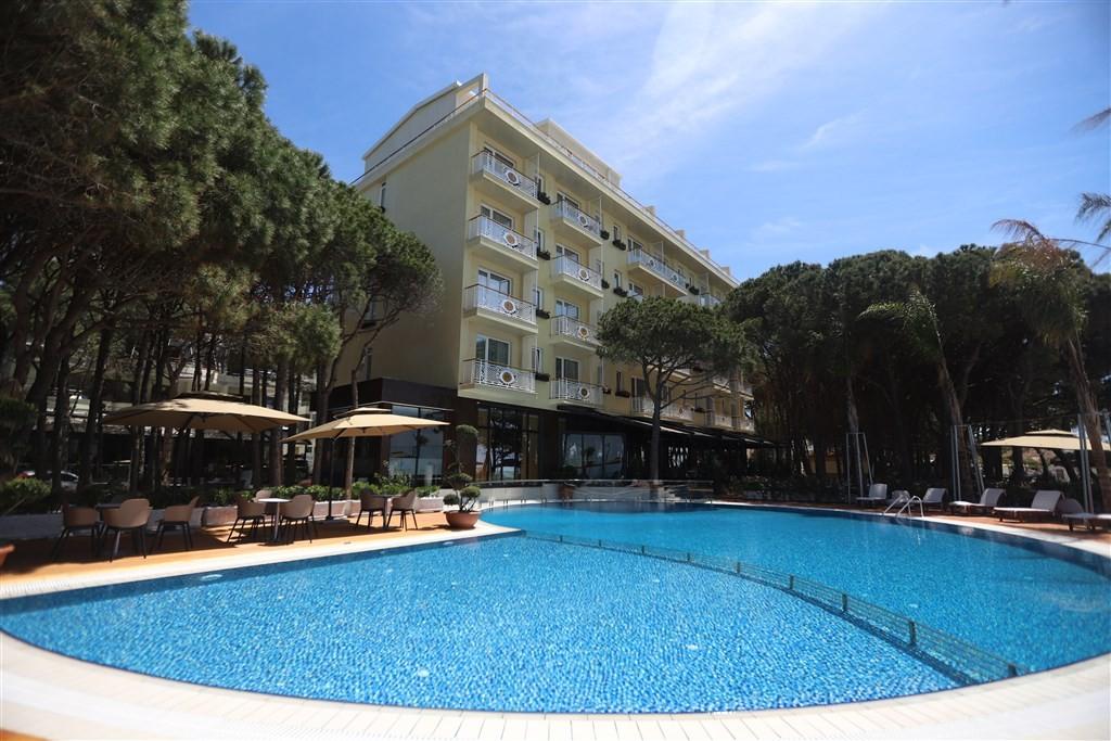 Resort VM