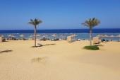 výhled z plážové restaurace