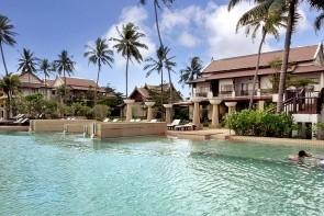 Apsara Beachfront Resort & Villa