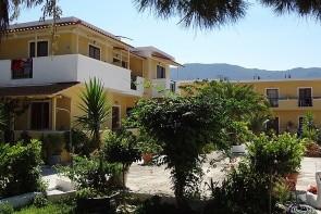 Draganikos Studios & Apartments