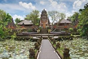 Chrám Pura Taman Saraswati (Lotosový chrám)