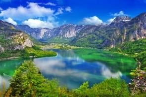 Halštatské jezero a plavby lodí