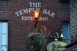 Bar Temple
