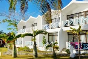 Coral Azur Beach Resort (Mon Choisy)