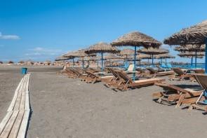 Pláž Monolithos
