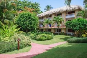 Playa Esmeralda Beach Resort
