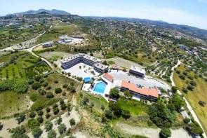 Hillside Studios And Apartments