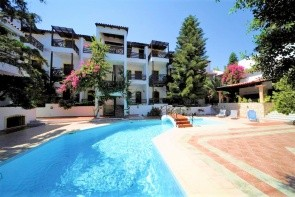Rena Apartments