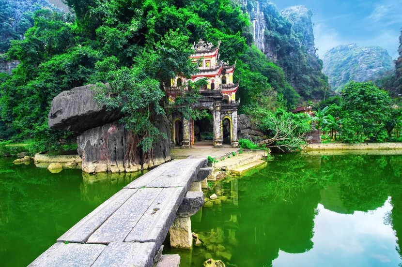 Pagoda Bich Dong