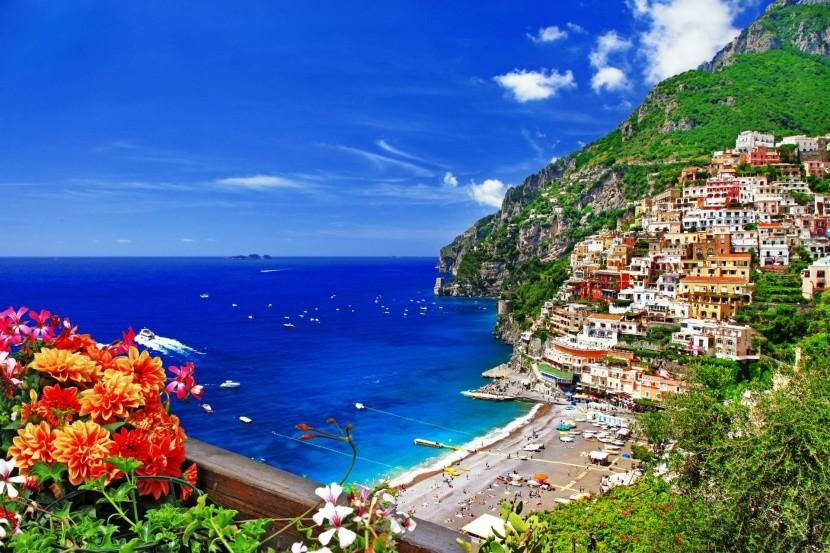 Olaszország kilátás tenger virág hegyoldal