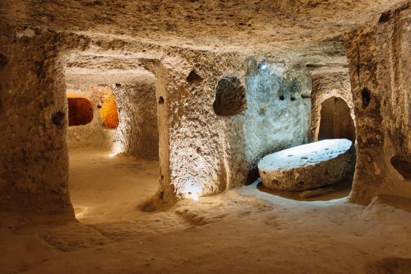 Föld alatti járatok Kappadókiában