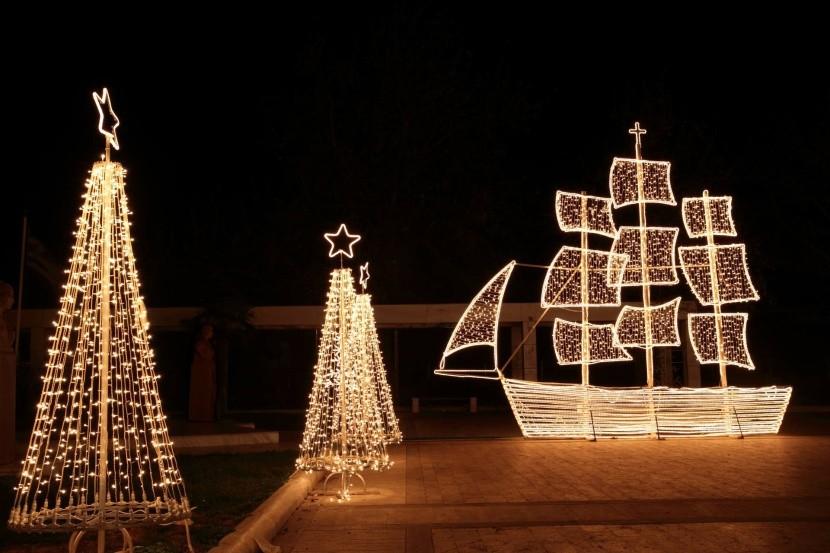 Lodě k Vánocům v Řecku prostě patří