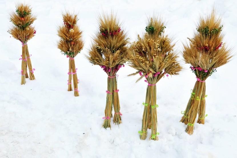 Didukh - tradiční ukrajinská vánoční dekorace