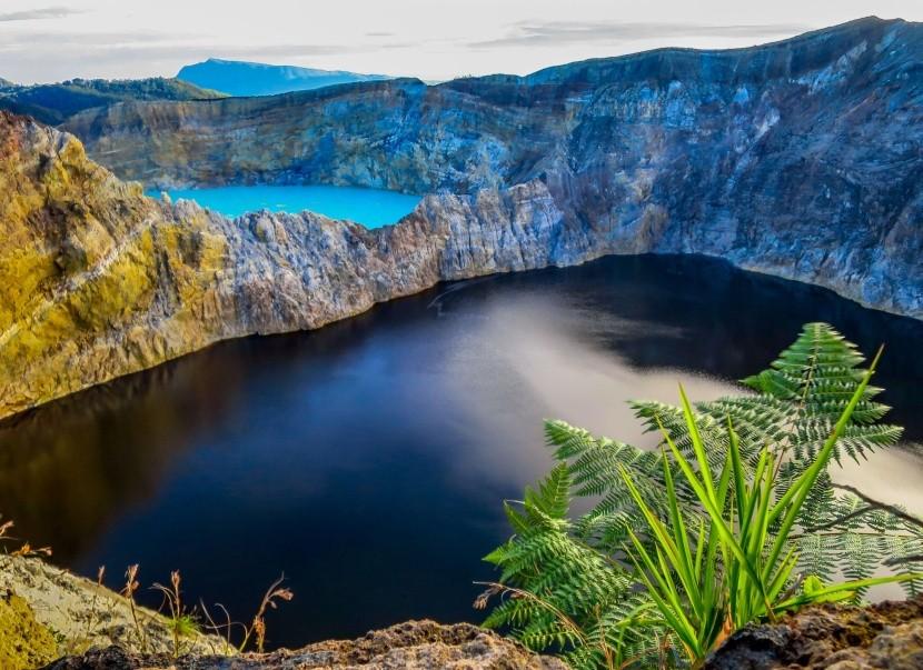 Kráterová jezera Kelimutu, Indonésie