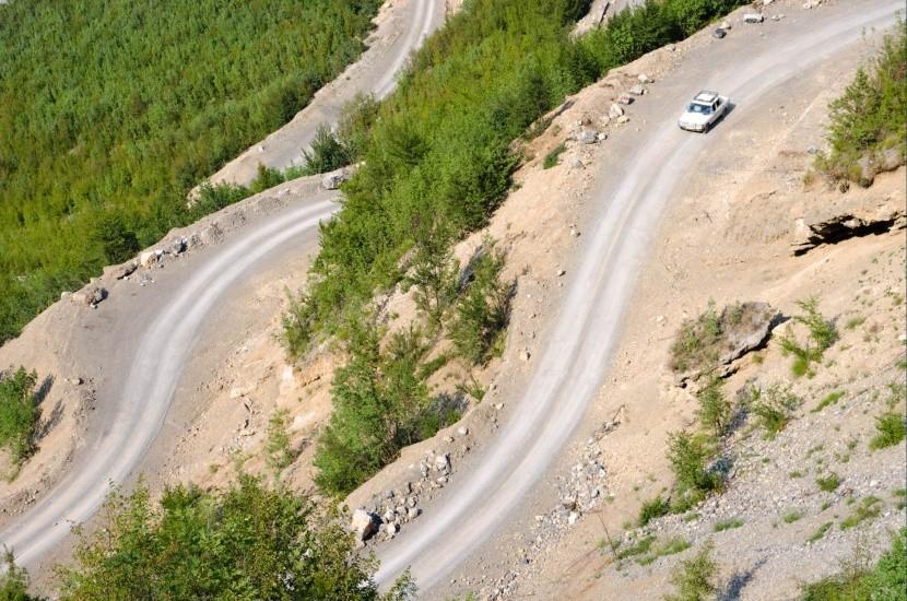 Typická horská cesta