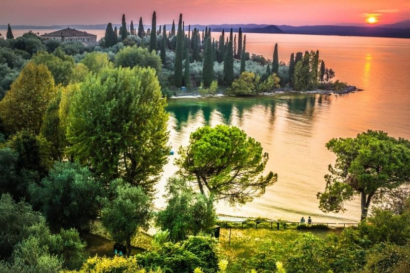 Západ slnka pri Lago di Garda