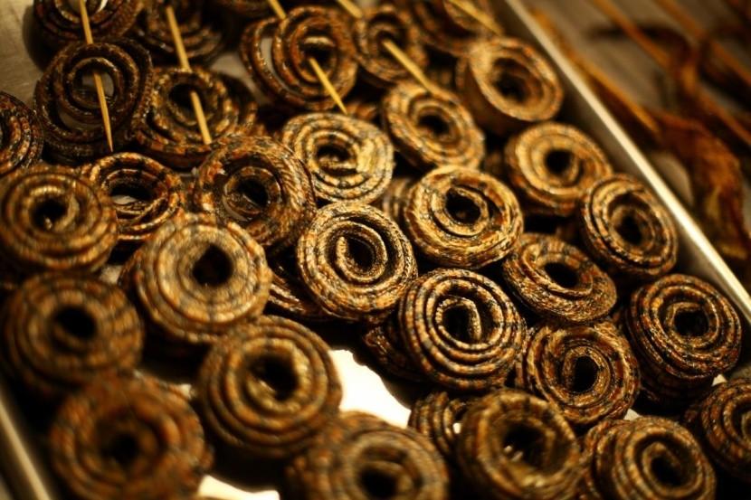 Sült kígyó Kína kígyóhús gasztronómia