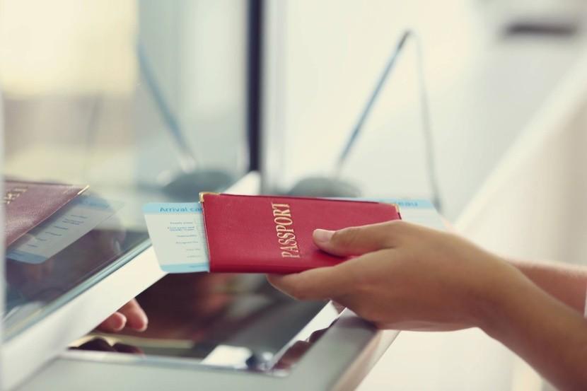 személyigazolvány útlevél útiokmány ellenörzé